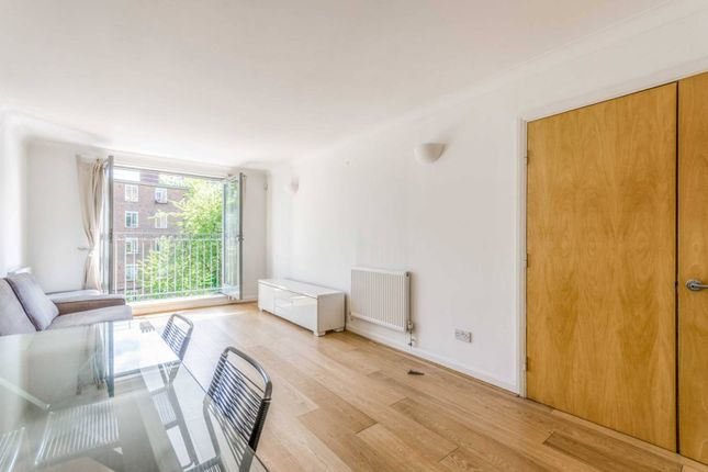 Thumbnail Flat to rent in Tower Court, Islington