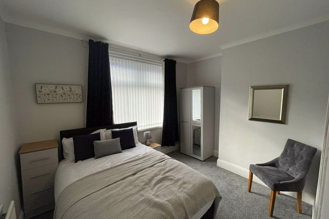 Thumbnail Flat to rent in Windy Nook Road, Gateshead