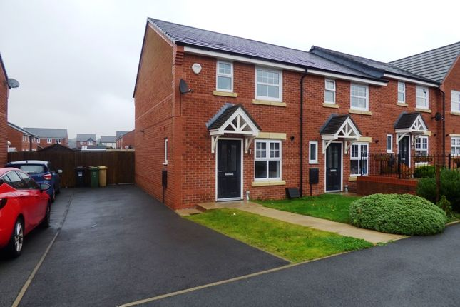 3 bed mews house to rent in Textile Way, Crompton, Bolton BL1