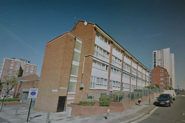 Thumbnail Flat for sale in Glyndon Road, London
