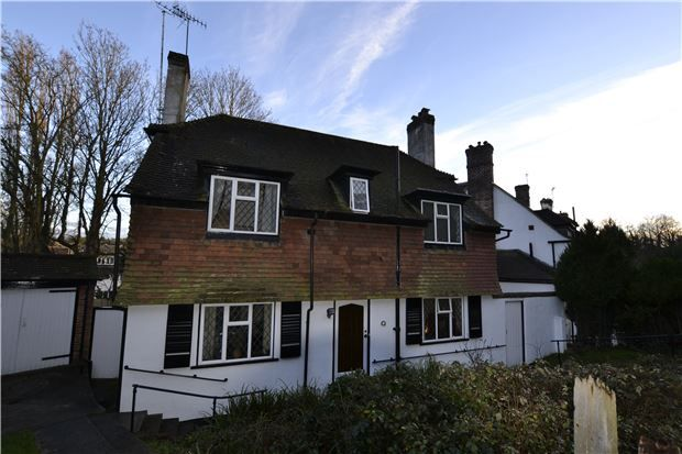 Thumbnail Detached house for sale in Hereward Avenue, Purley, Surrey
