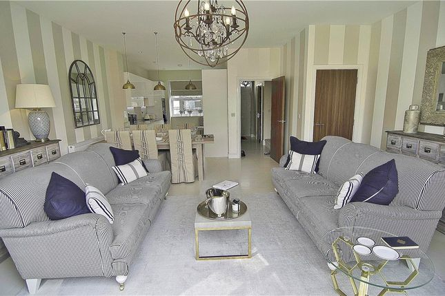 Thumbnail Terraced house for sale in Green Street, Lower Sunbury, Middlesex