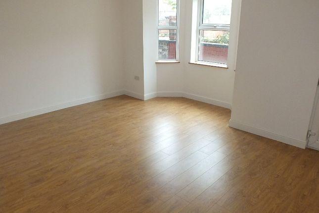 Thumbnail Shared accommodation to rent in Headingley Avenue, Leeds, Headingley