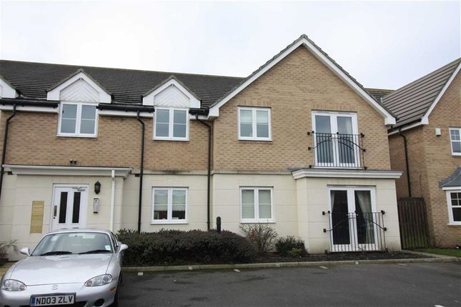 2 bed flat to rent in Briar Vale, Whitley Bay