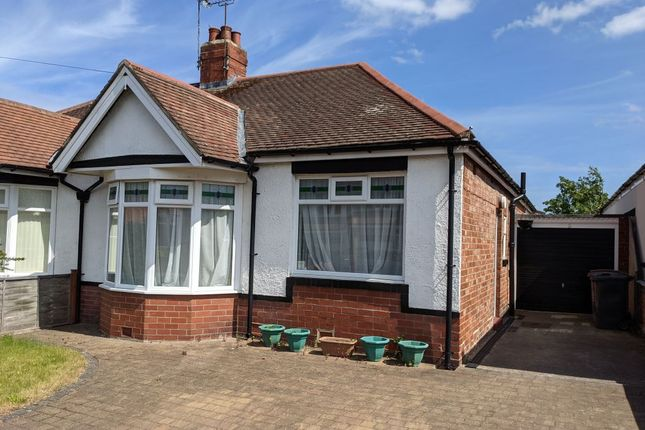2 bed bungalow to rent in Chatsworth Gardens, Whitley Bay NE25