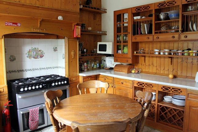 Shared Kitchen 2 of Norfolk Road, Sheffield S2