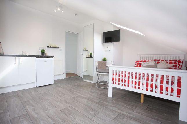 Studio to rent in Cowper Street, Luton LU1