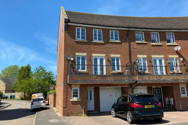 4 bed end terrace house for sale in Lady Smock Close, Grange Park, Northampton NN4