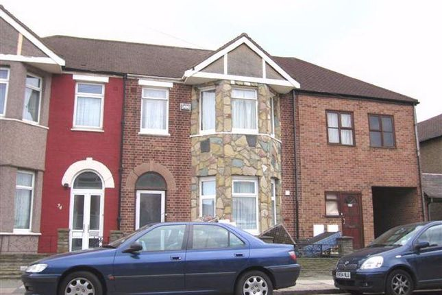 Thumbnail Flat to rent in Albany Road, Chadwell Heath, Romford