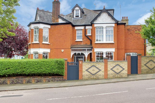 Thumbnail Semi-detached house to rent in Cranbourne Road, Muswell Hill, London