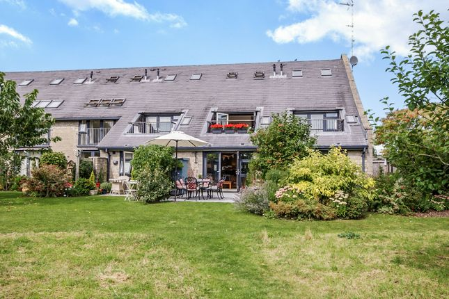 Thumbnail Terraced house for sale in Home Barns, Marshfield