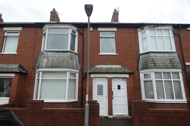 2 bed flat to rent in Claremont Terrace, Blyth NE24