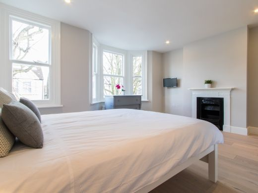 Thumbnail Shared accommodation to rent in Adelaide Rd, London