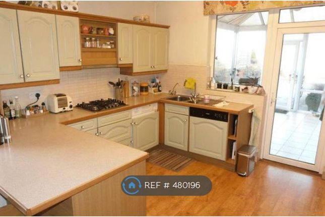 Thumbnail Maisonette to rent in Uppingham Road, Leicester