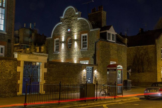 Thumbnail Property to rent in White Lion Street, Islington