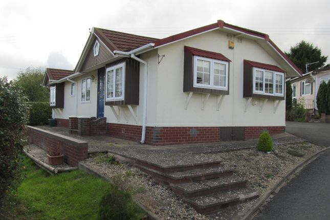 Thumbnail Mobile/park home for sale in Doddington Heights, Earls Ditton Lane, Hopton Wafers, Kidderminster, Shropshire