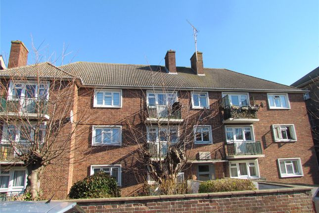 Thumbnail Flat to rent in Cliff Court, Cliff Road, Dovercourt, Harwich