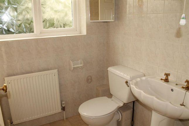 Bathroom of Elmbank Grove, Handsworth Wood, Birmingham B20