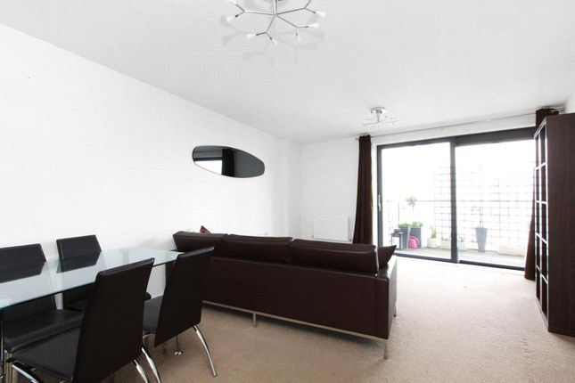 Thumbnail 1 bed property to rent in Kennington Road, London