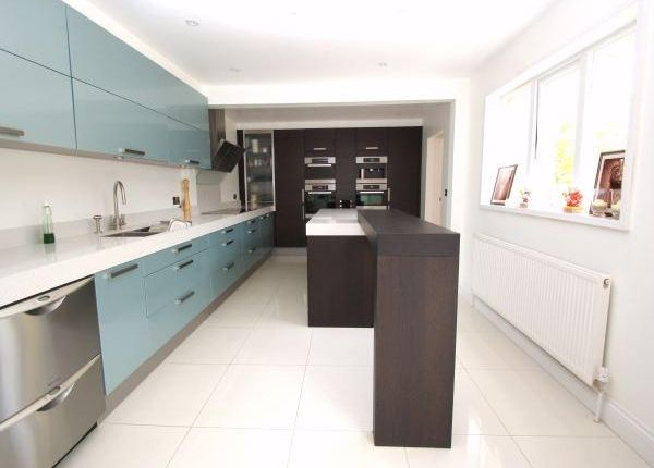 Thumbnail Detached house to rent in Brudenell, Windsor, Berkshire