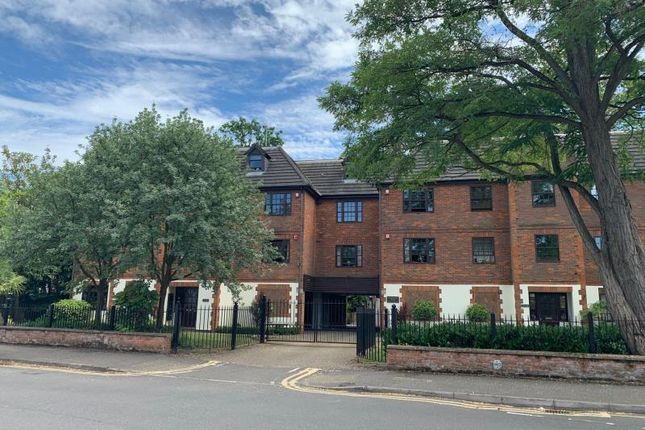 Thumbnail Terraced house to rent in St Michaels Court, Princes Road, Weybridge, Surrey
