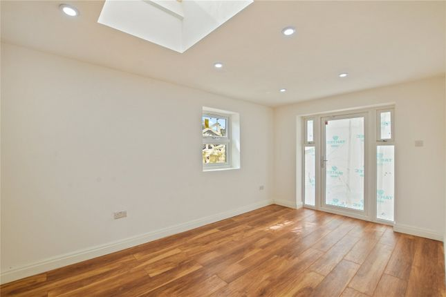 Thumbnail Flat for sale in Ingal Road, London