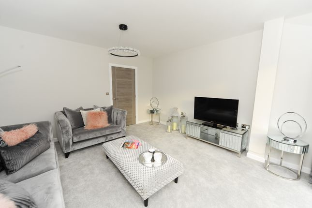 Living Room of 24 Hunters Walk, Chesterfield S40