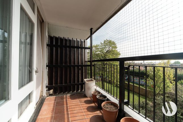 Flat for sale in Trellick Tower, Golborne Road