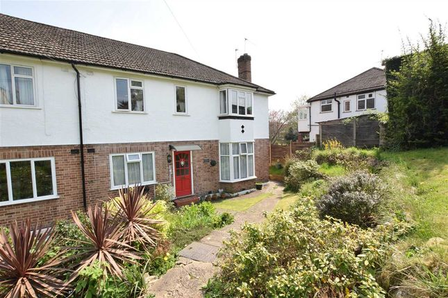 Thumbnail Maisonette for sale in Crescent Lodge, Crescent Road, New Barnet