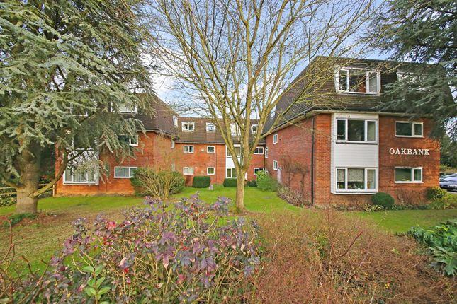 Thumbnail Flat to rent in Oakbank, Watling Street, Radlett