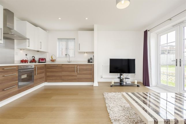 Flat-Birchwood-House-Banstead-117
