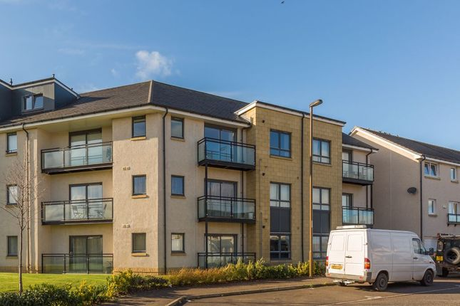 Thumbnail Flat for sale in 44 Saw Mill Medway, Bonnyrigg EH193Fx