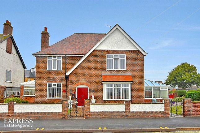 Thumbnail Detached house for sale in Belvedere Parade, Bridlington, East Riding Of Yorkshire