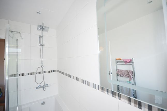 Thumbnail Flat to rent in Waverley Road, Crouch End, London
