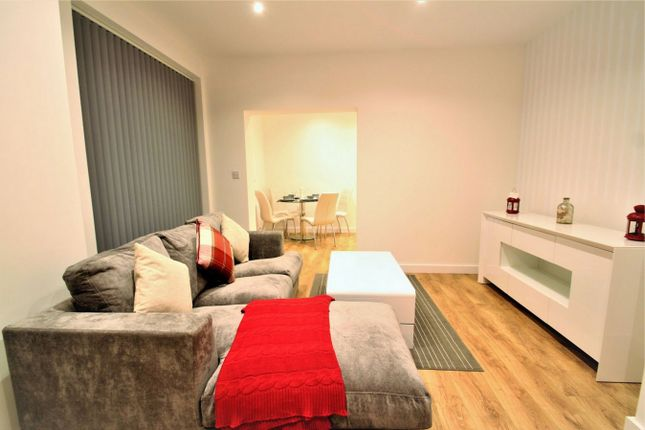 Thumbnail Flat to rent in 52 Sydney Road, Enfield, Greater London