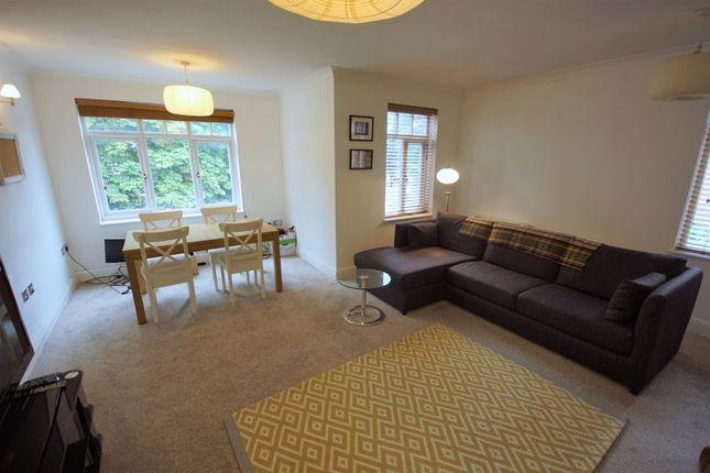 Living Room of Wake Green Road, Moseley, Birmingham B13