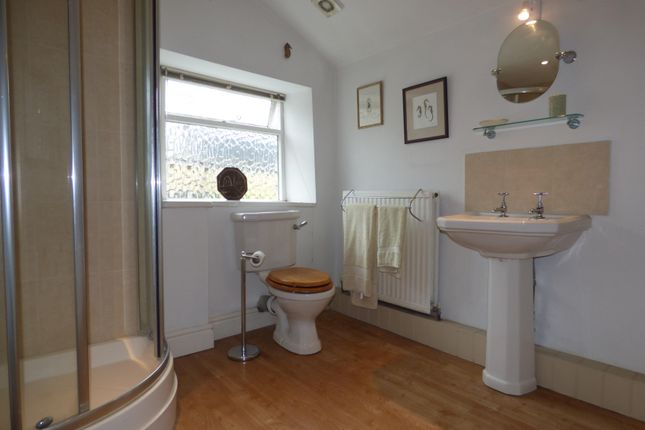 Bathroom 1 of Albion Street, Stratton, Cirencester, Gloucestershire GL7