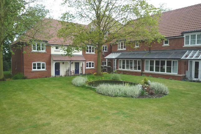 Thumbnail Terraced house for sale in Little Orchards, Broomfield, Chelmsford