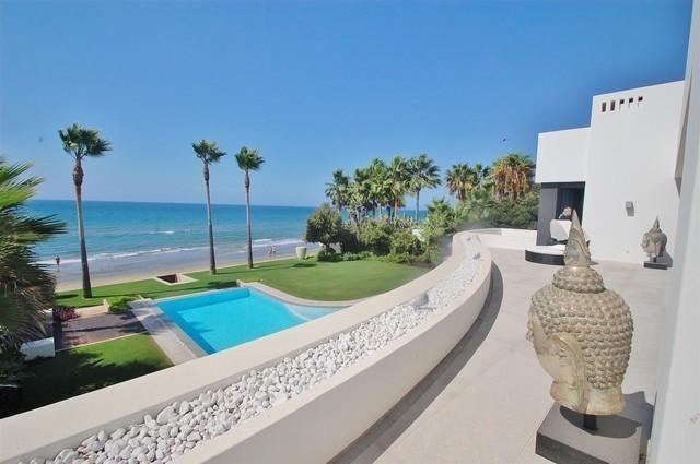 Thumbnail Villa for sale in Málaga, Málaga, Spain
