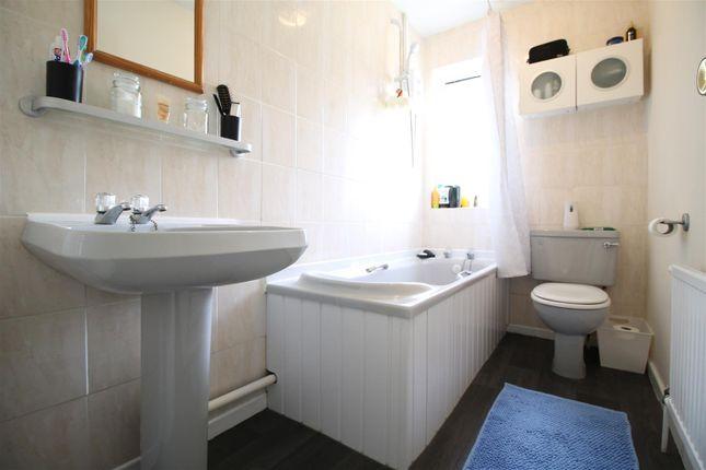 Bathroom of Britannia Avenue, Basford, Nottingham NG6