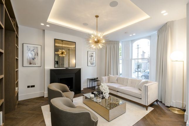 Thumbnail Town house to rent in Campden Hill Gardens, London