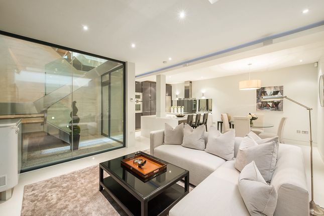 Thumbnail Mews house for sale in Ennismore Mews, Knightsbridge