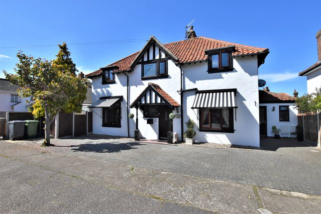 Thumbnail Detached house for sale in Heath Road, Sheringham