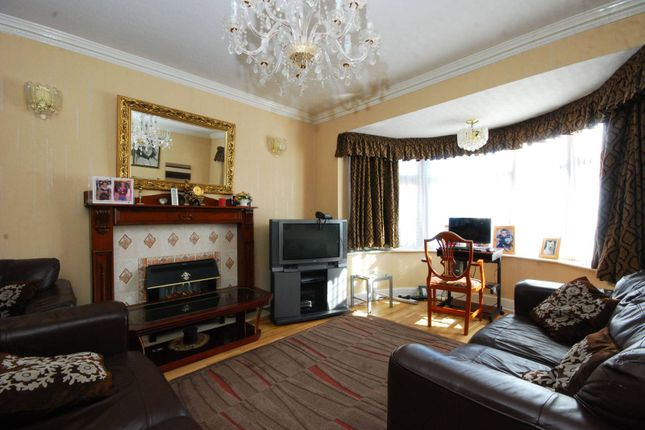 Thumbnail Property for sale in Ridge Close, Holders Hill