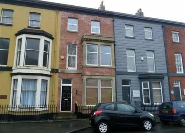 Thumbnail Flat to rent in St Peters Place, Fleetwood
