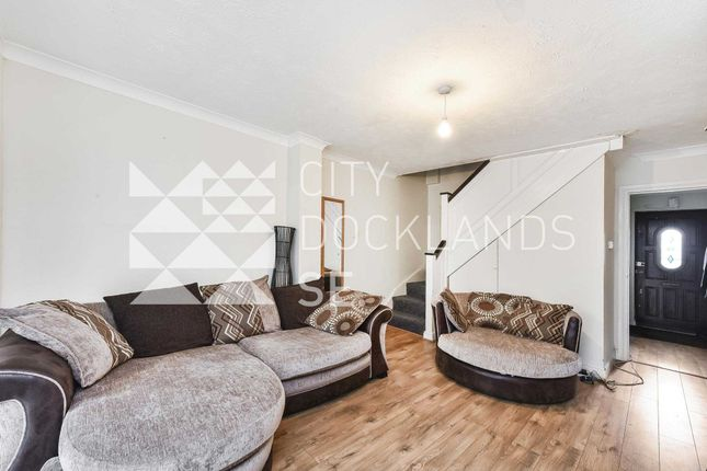 Thumbnail Property to rent in Chaucer Drive, Bermondsey