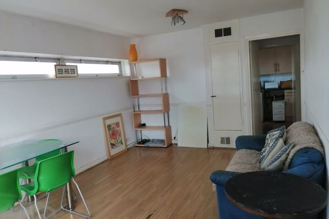 2 bed property to rent in Staines Road West, Sunbury-On-Thames TW16