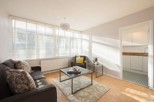 Thumbnail Flat to rent in Knollys Road, London