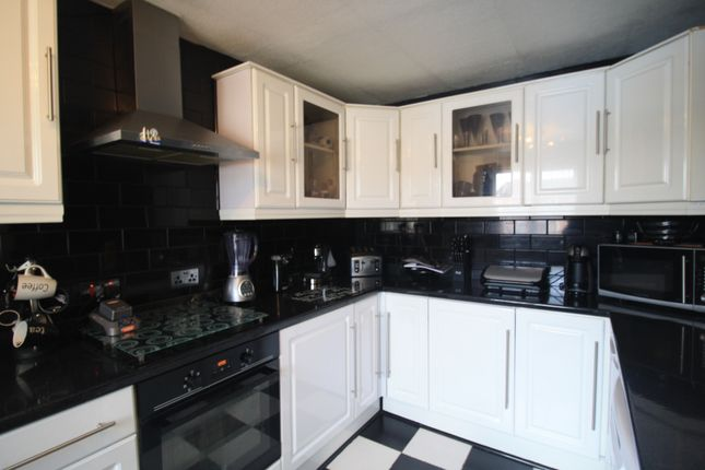 Kitchen Tiles Oldbury 4 bedroom houses to buy in oldbury, west midlands - primelocation