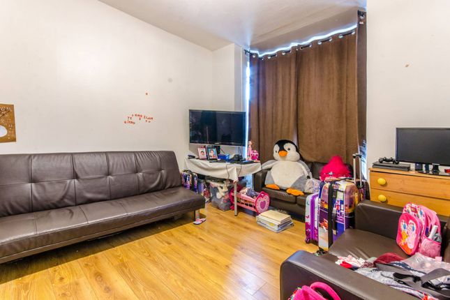 Thumbnail Property for sale in Mayes Road, Wood Green